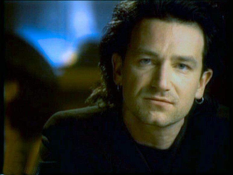 U2: altezze, misure e dintorni di Bono & C... - Pagina 6 One_410