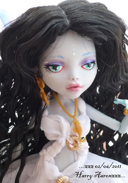 [monster High]Poupées de poupée p5  03/05 - Page 2 P1070713