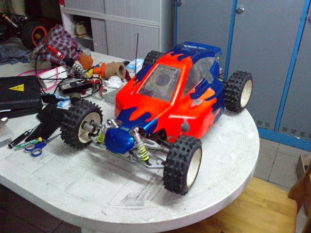 Mon HARM BX2 1/5 26cc... a rafraichir! ;-) P0410166