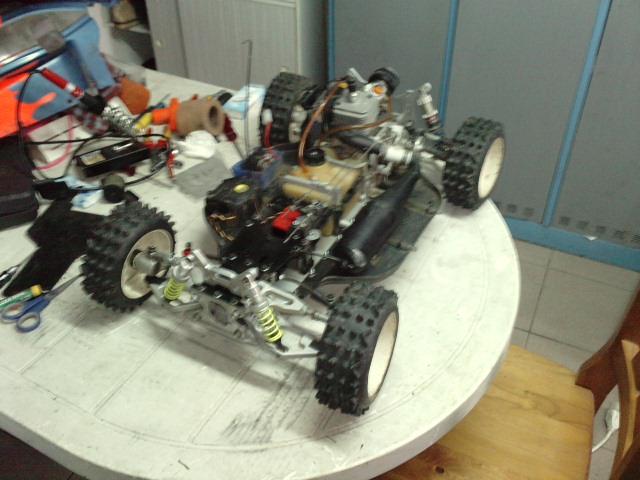 Mon HARM BX2 1/5 26cc... a rafraichir! ;-) P0410168