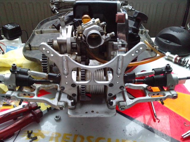 Mon HARM BX2 1/5 26cc... a rafraichir! ;-) P1610123