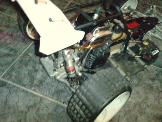Mon HARM BX2 1/5 26cc... a rafraichir! ;-) P1610130