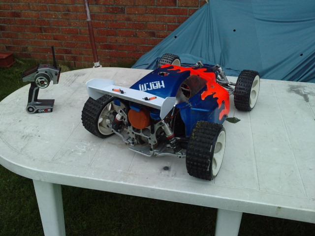 Mon HARM BX2 1/5 26cc... a rafraichir! ;-) P2210120