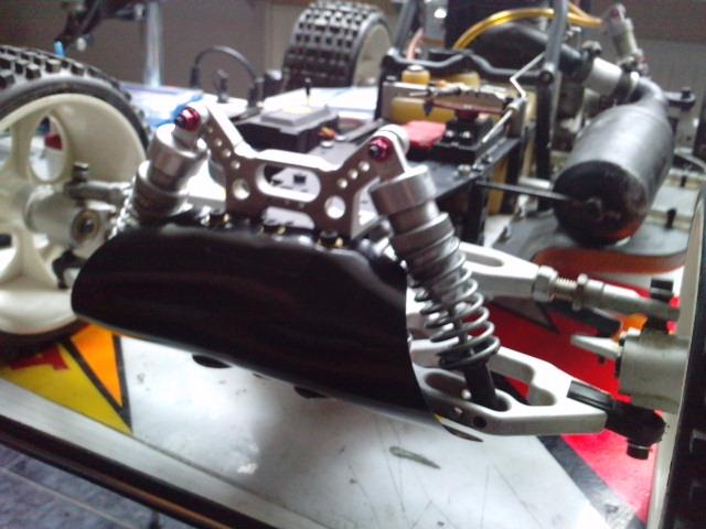 Mon HARM BX2 1/5 26cc... a rafraichir! ;-) P3110111