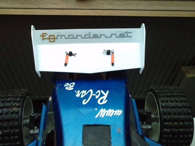 Mon HARM BX2 1/5 26cc... a rafraichir! ;-) P3110113