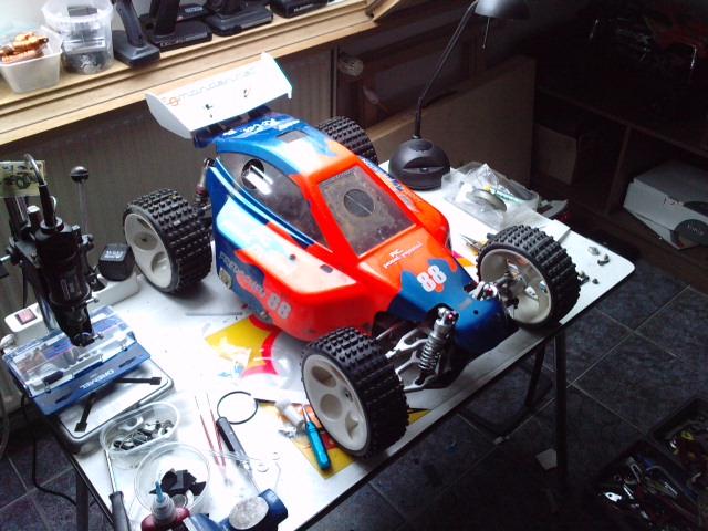 Mon HARM BX2 1/5 26cc... a rafraichir! ;-) P3110115