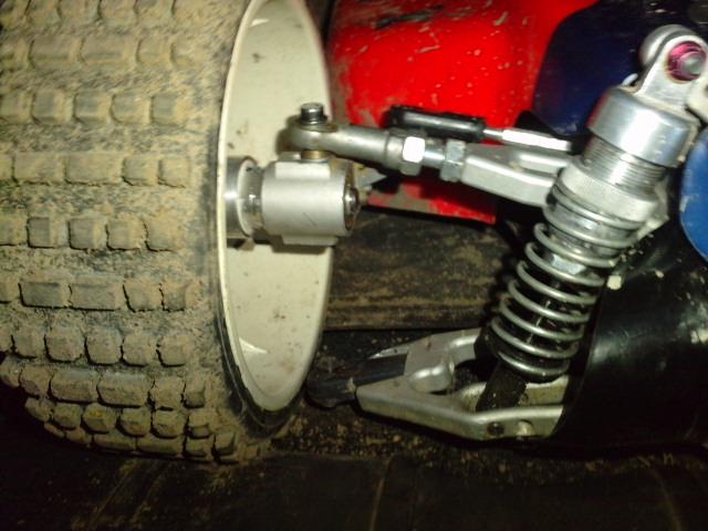 Mon HARM BX2 1/5 26cc... a rafraichir! ;-) P3110141