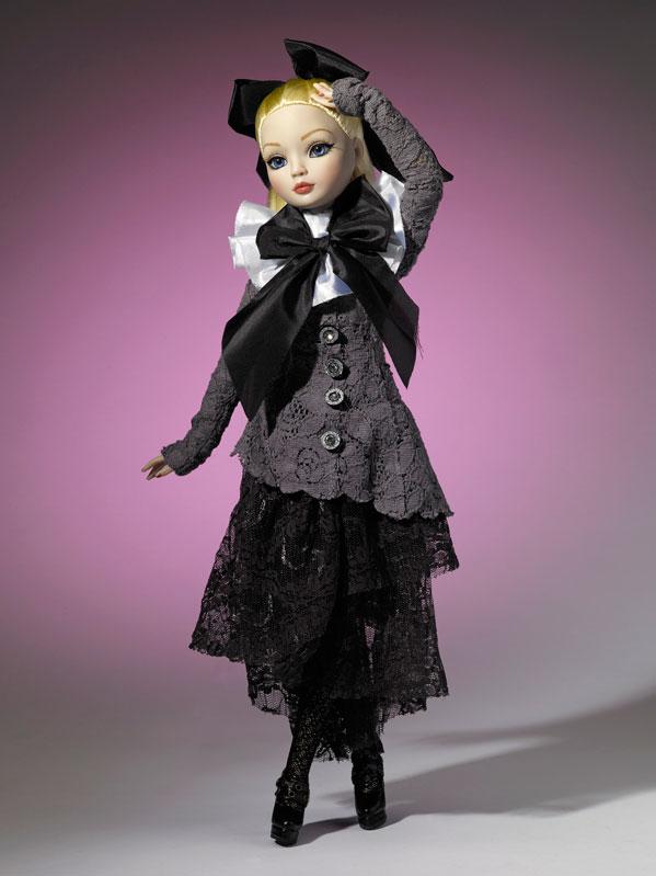 2011 - Ellowyne Wilde - Dark Shadows 390_1_10