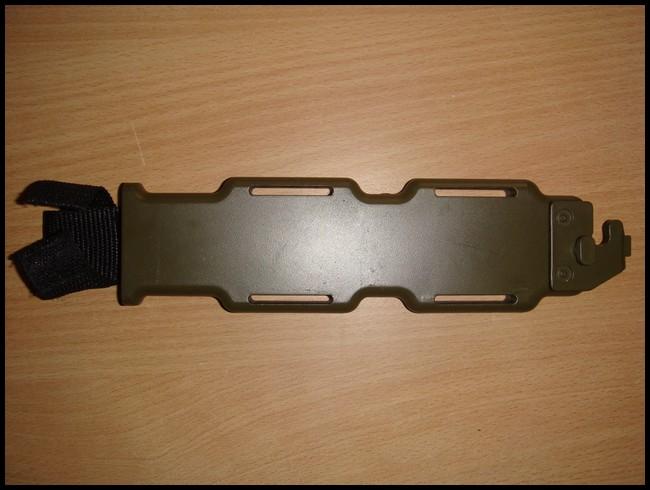 baïonnette M9 avec fourreau Dsc03013