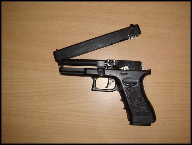 glock18c cyma Dsc03020