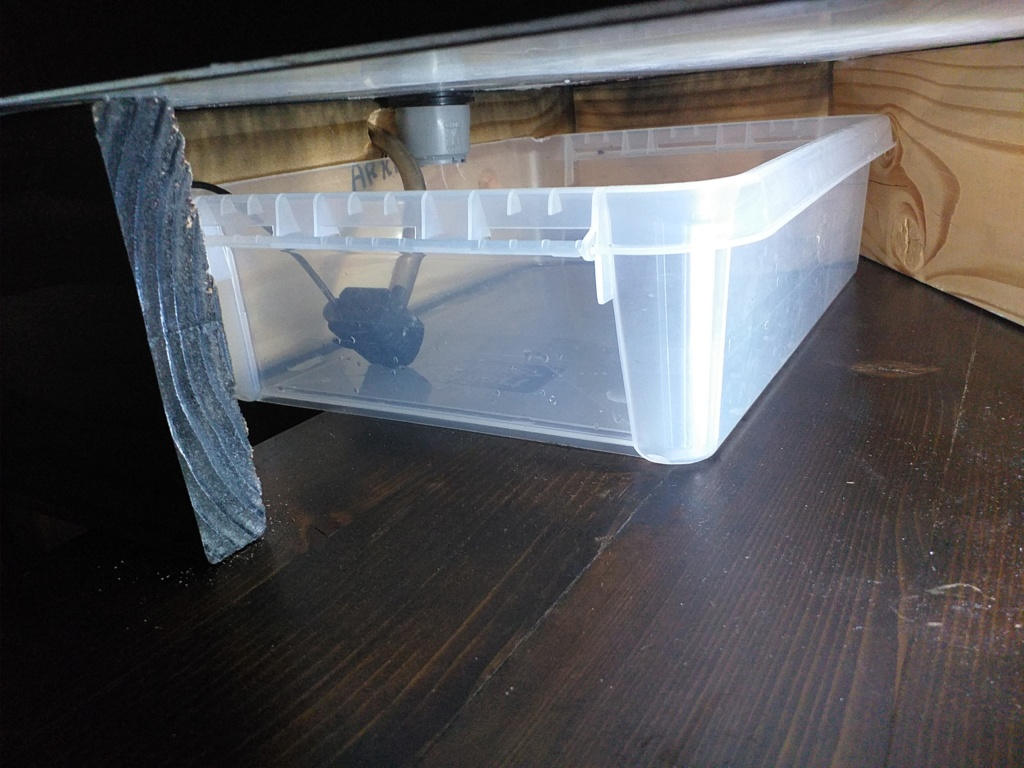 Fabrication de mon terrarium à Dendrobates en PVC expansé  recyclé !! 20190716