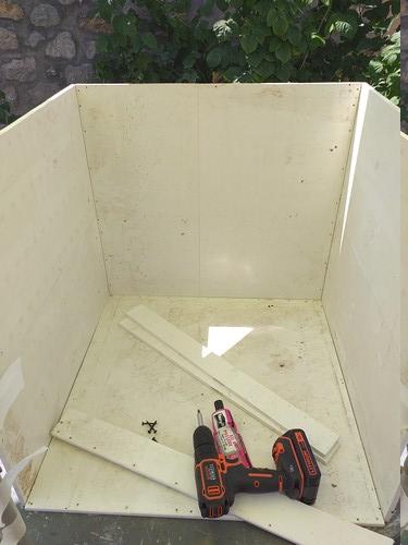 Fabrication de mon terrarium à Dendrobates en PVC expansé  recyclé !! 20190728
