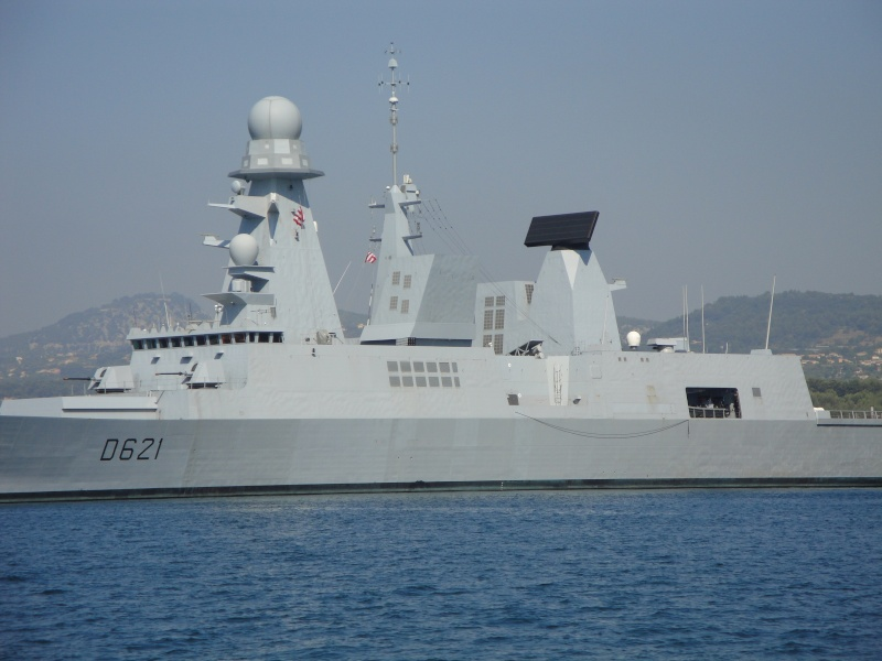 [Les Ports Militaires de Métropole] Visite de la rade de Toulon Dsc01717