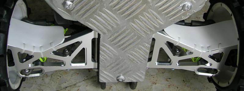 Protectores de palieres, capuchones y rodamientos traseros en aluminio Cubre-11