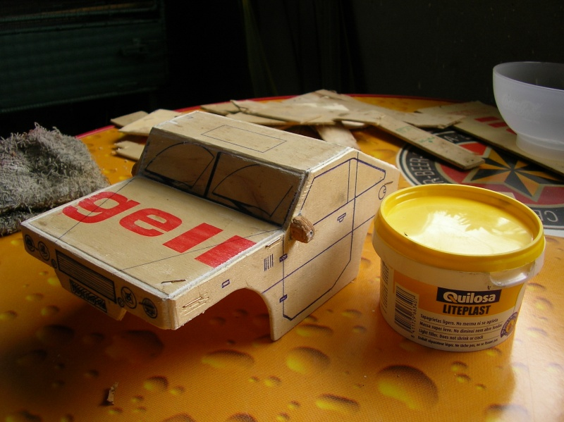 Carrocería con una caja de fruta de madera (para mini inferno) Q112