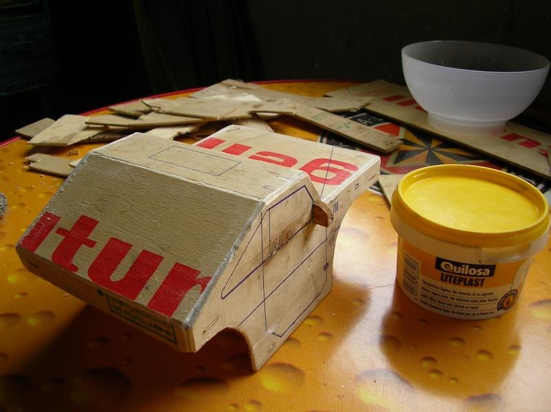 Carrocería con una caja de fruta de madera (para mini inferno) Q213