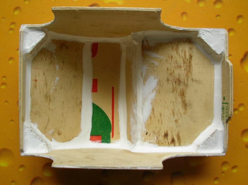 Carrocería con una caja de fruta de madera (para mini inferno) Q410