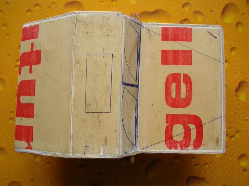 Carrocería con una caja de fruta de madera (para mini inferno) Q510
