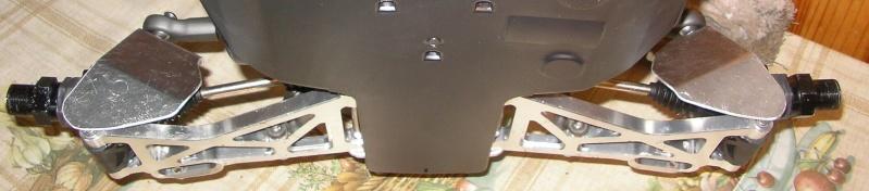 Protectores de palieres, capuchones y rodamientos traseros en aluminio Sany0057