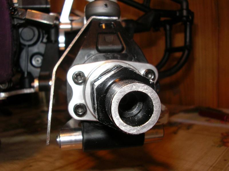 Protectores de palieres, capuchones y rodamientos traseros en aluminio Sany0059