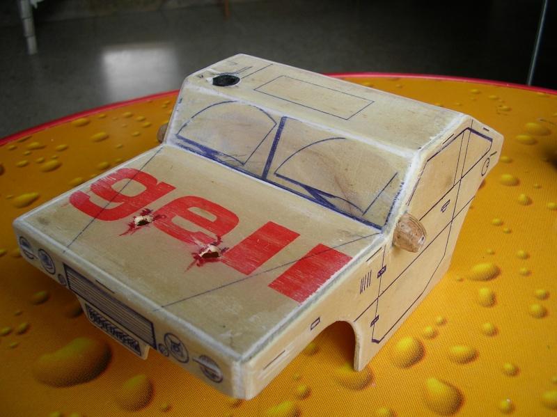 Carrocería con una caja de fruta de madera (para mini inferno) Sany0076