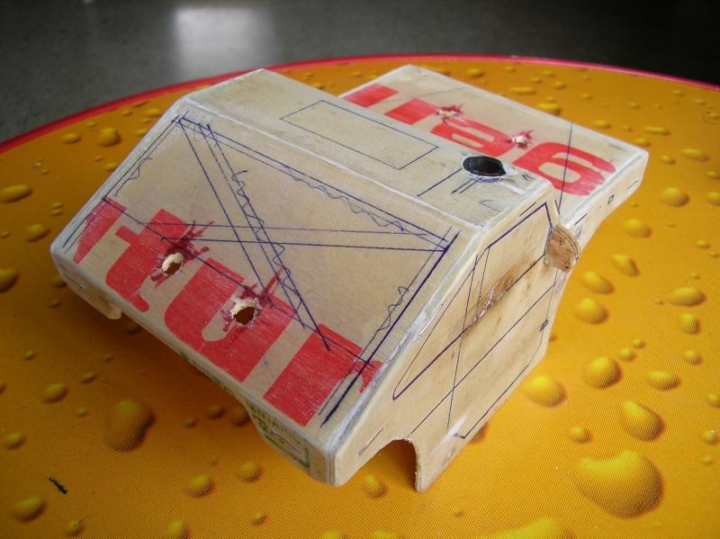 Carrocería con una caja de fruta de madera (para mini inferno) Sany0077