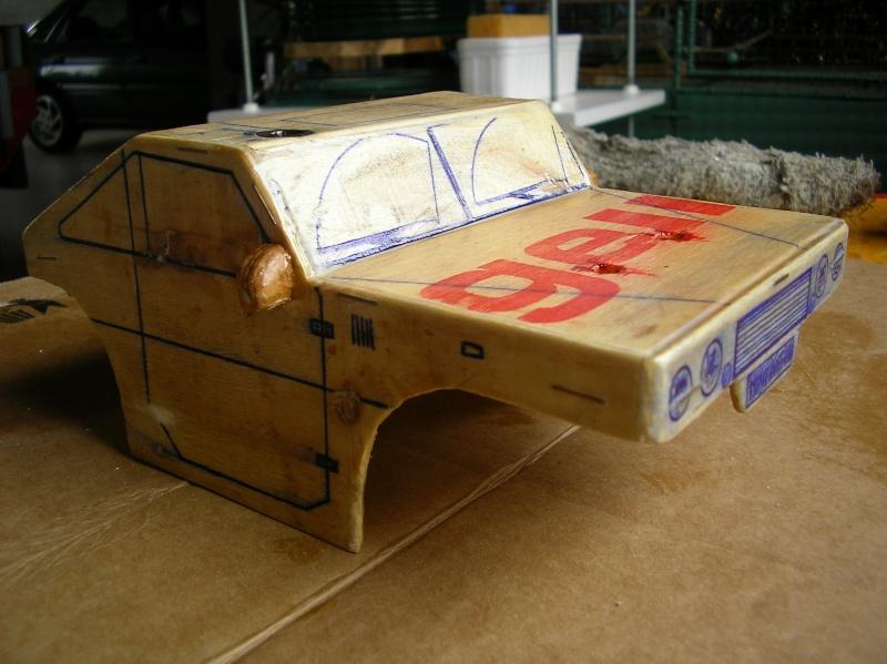 Carrocería con una caja de fruta de madera (para mini inferno) Sany0078