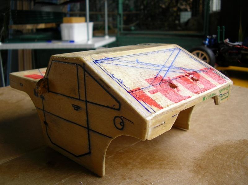 Carrocería con una caja de fruta de madera (para mini inferno) Sany0080