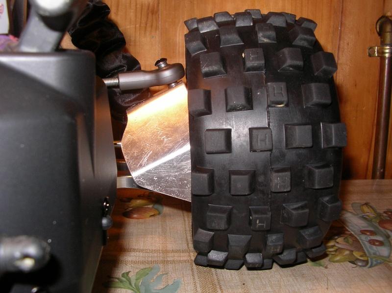 Protectores de palieres, capuchones y rodamientos traseros en aluminio Sany0101