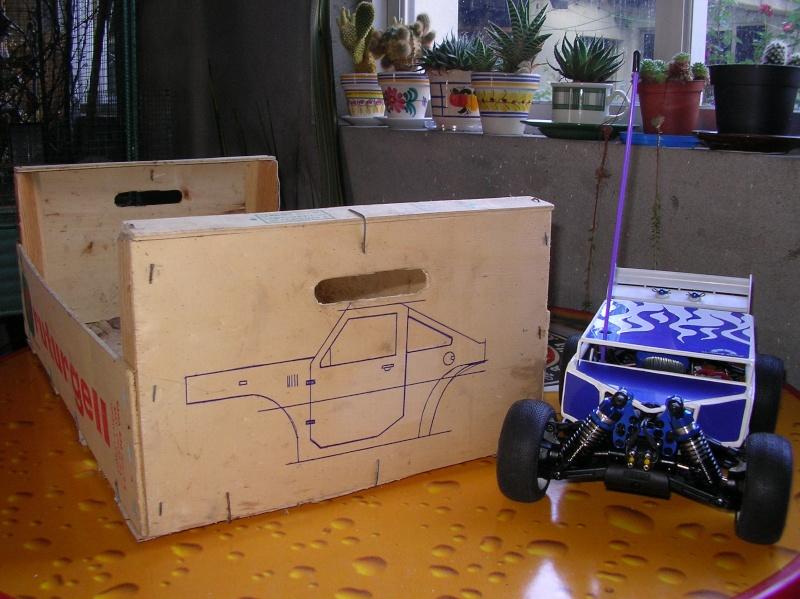 Carrocería con una caja de fruta de madera (para mini inferno) X_110