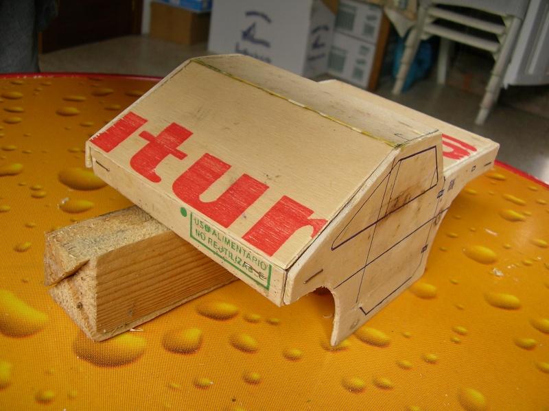Carrocería con una caja de fruta de madera (para mini inferno) X_410