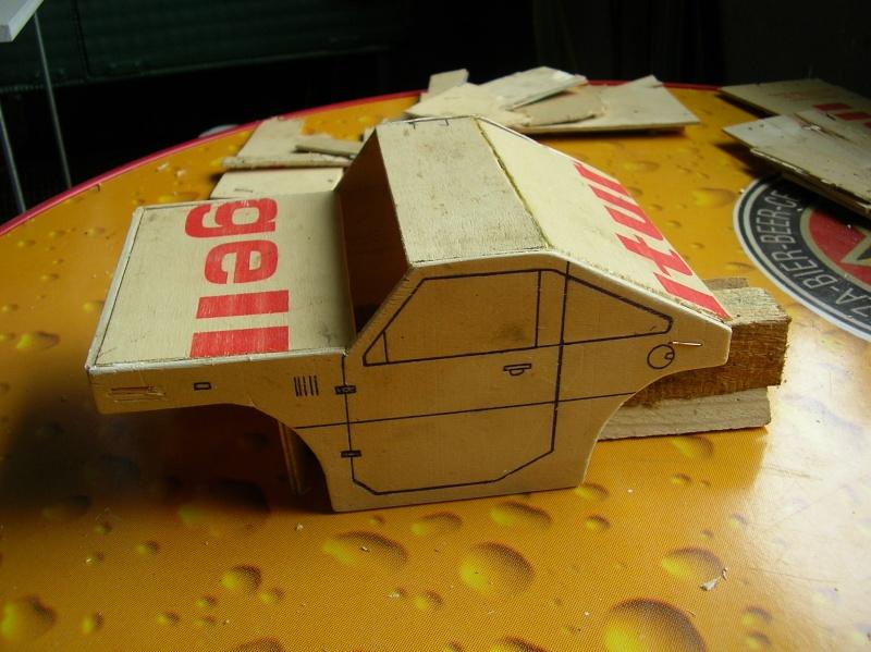 Carrocería con una caja de fruta de madera (para mini inferno) X_610