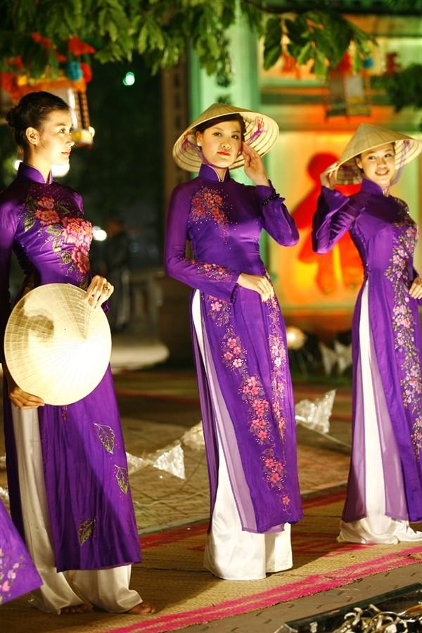 Lễ hội áo dài 3 miền Images12