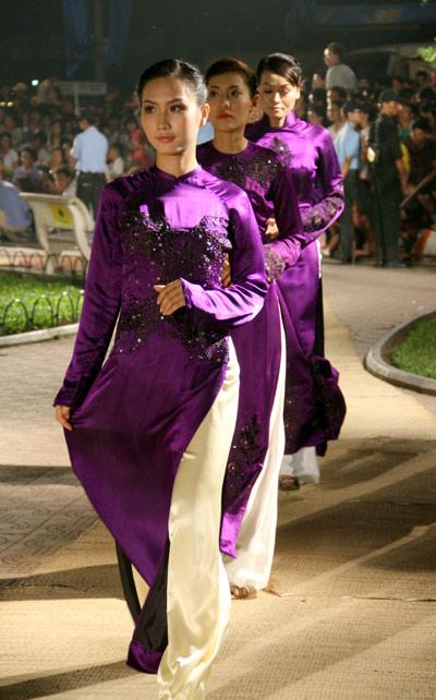 Lễ hội áo dài 3 miền Images13