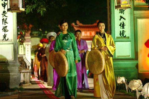 Lễ hội áo dài 3 miền Images17