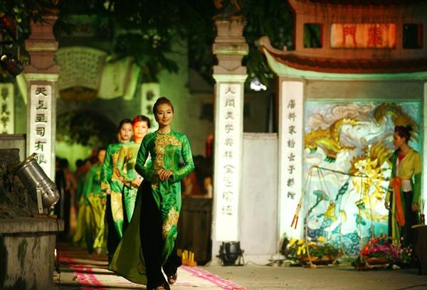 Lễ hội áo dài 3 miền Images19