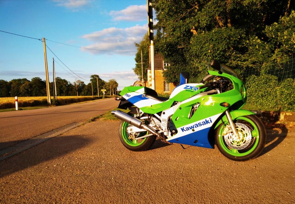 H1 1989 vert blanc bleu  _2019011