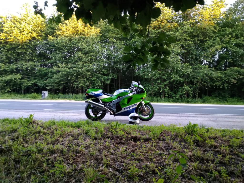 H1 1989 vert blanc bleu  Zxr_h112