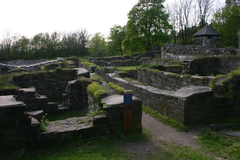 Ruines d'édifices religieux - Page 5 22002810