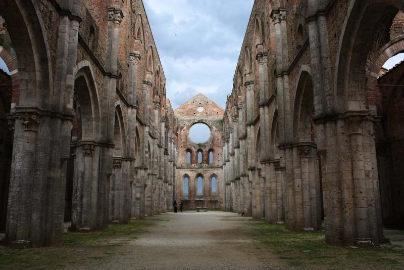 Ruines d'édifices religieux - Page 6 22951910