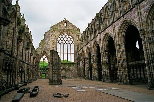Ruines d'édifices religieux - Page 7 52321010
