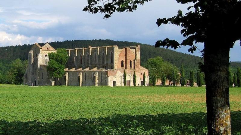 Ruines d'édifices religieux - Page 6 76285010