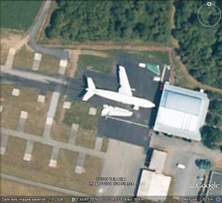 Les avions en pièces détachées repérés grâce à Google Earth Avion12