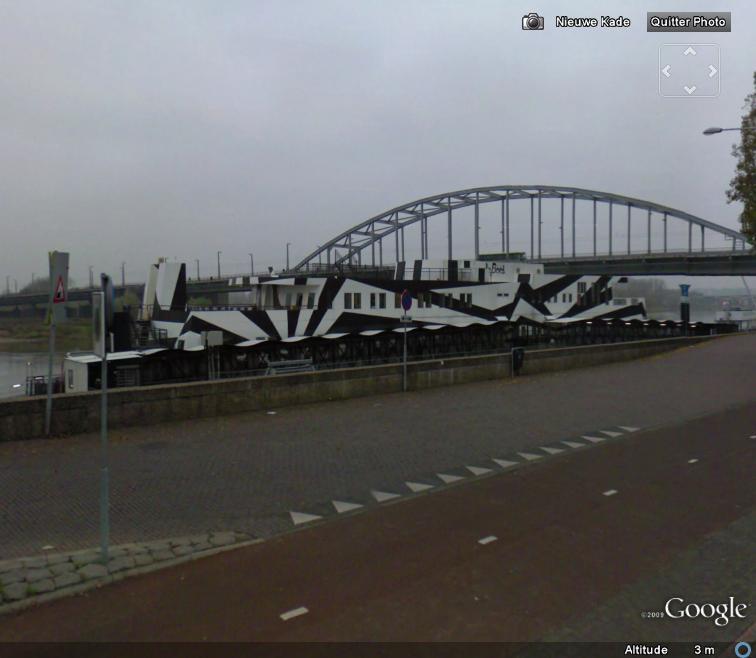 Street View : Bateau zébré à Arnhem ( Pays-Bas ) Bateau11