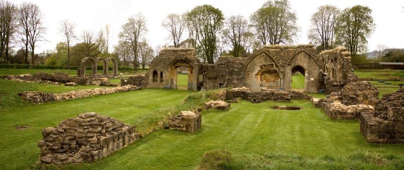 Ruines d'édifices religieux - Page 5 Hailes10