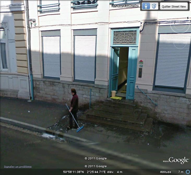 STREET VIEW : les gens nettoient  Lavage10