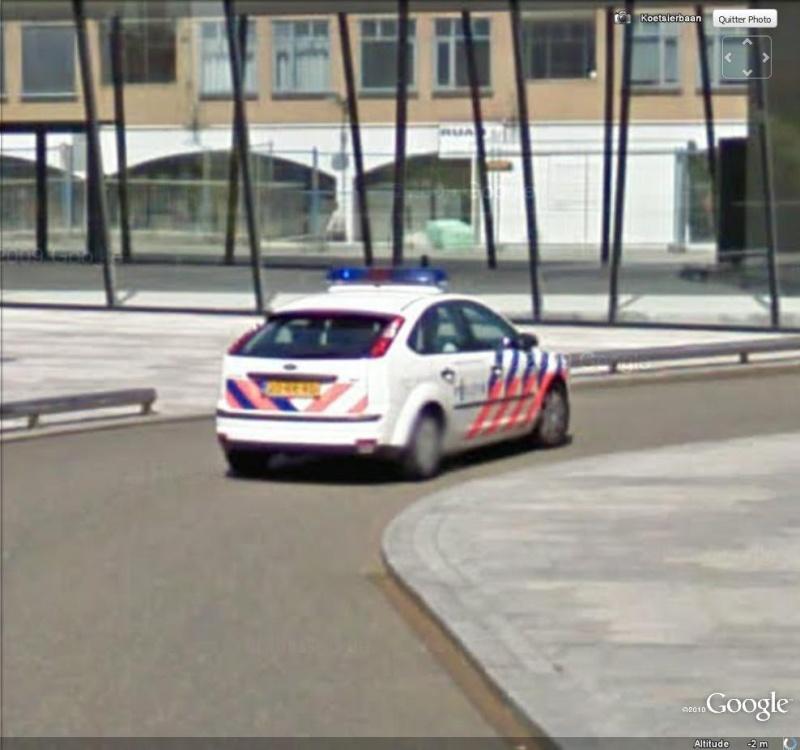 STREET VIEW : véhicules de police du monde - Page 6 Police13