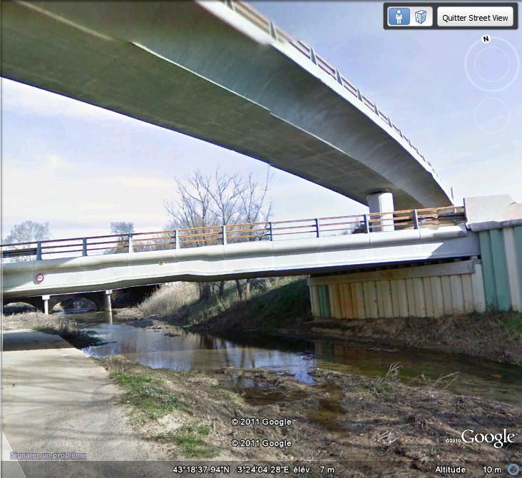 Street View : Un pont , au dessus d'un pont , au dessus d'une rivière  Ppr_110
