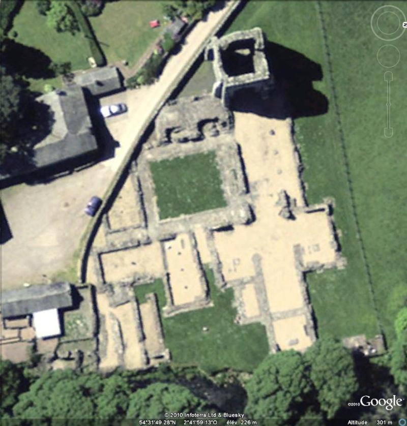 Ruines d'édifices religieux - Page 5 Ruines12