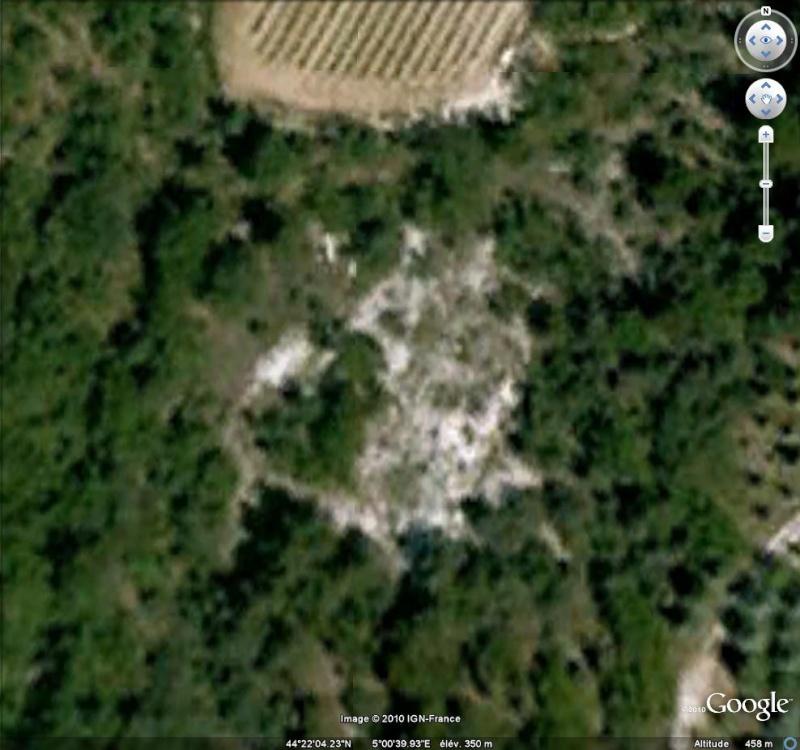 Ruines d'édifices religieux - Page 6 Ruines17